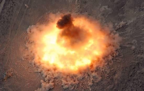 《中国亟需装备炸弹之母?周边动荡制止战争需杀手锏》