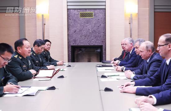 12月7日下午,俄罗斯总统普京在莫斯科会见了到访的中共中央政治局委员、中央军委副主席张又侠。李晓伟 摄