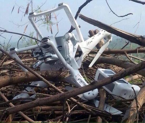 资料图:2015年7月巴基斯坦击落的印度无人机,该机为中国大疆公司制造