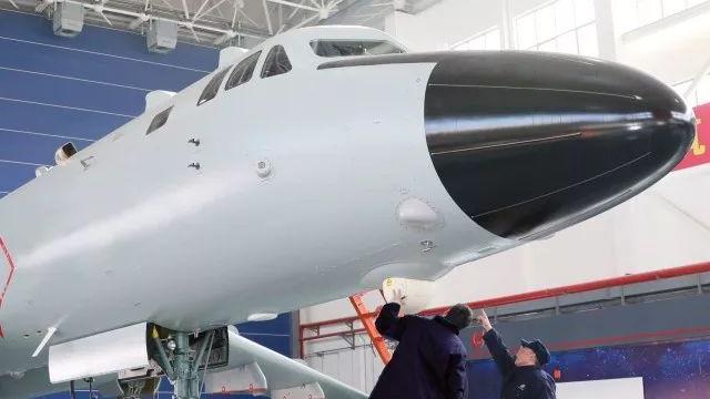 这是给中国海军用的?新一架轰-6K战略轰炸机疑曝光