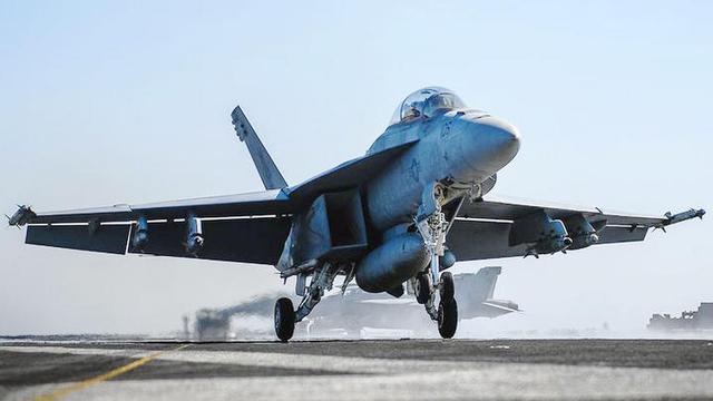 剑指伊朗?美国核动力航母在波斯湾紧张备战