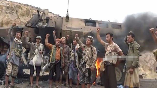 王爷军日常系列!胡赛拖鞋军击毁沙特最强防雷车辆