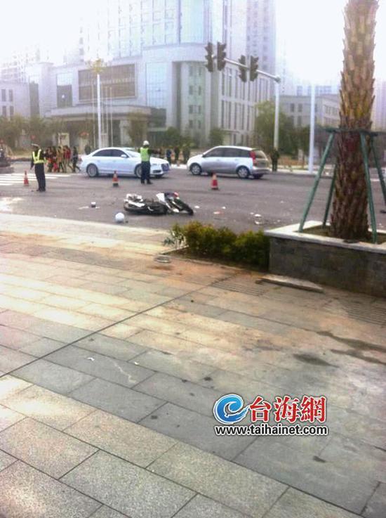 漳州角美一夫妻红绿灯下被撞身亡 事发路口存隐患图片