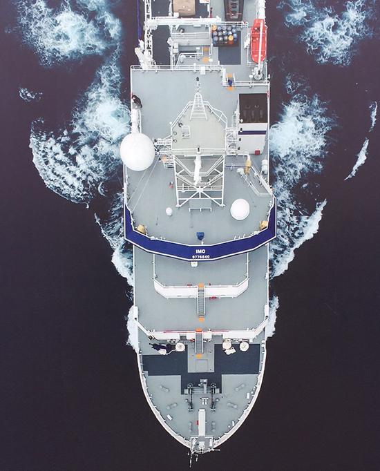 """嘉庚号这座""""海上厦大""""将扬帆起航,驶向深蓝、走进世界。"""