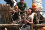 泉州:男子酒后讨薪欲跳楼 薪水拿到人却被拘留