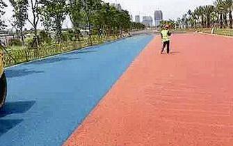 彩色马拉松跑道现身厦门环东海域