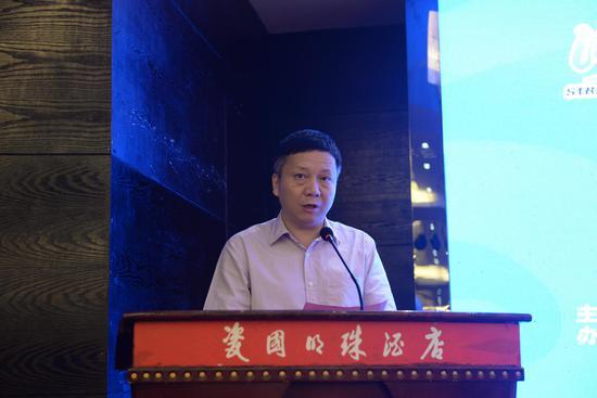 县长刘德旺在开幕式上致辞