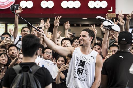 从克莱汤普森中国行看安踏品牌营销国际范