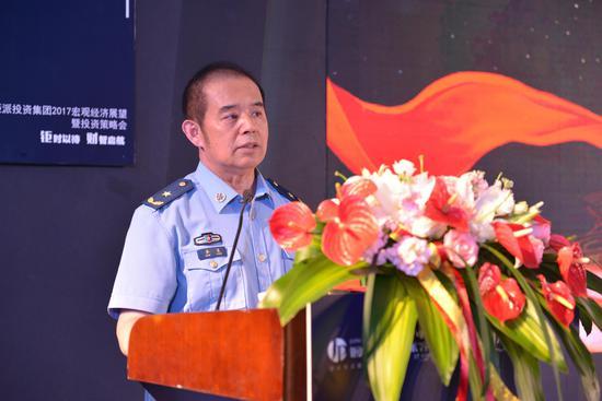中国著名前沿军事理论家、空军少将乔良先生
