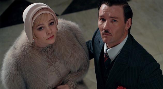 女主角戴钟形帽