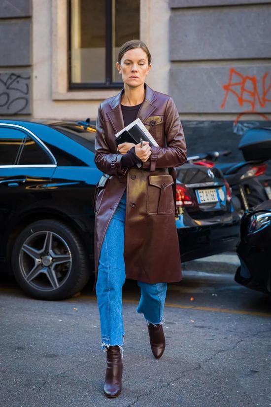 """如何把西装、风衣穿得充满""""智慧感""""?她来告诉你!"""