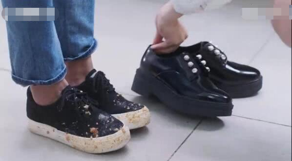 藤堂静给杉菜送鞋
