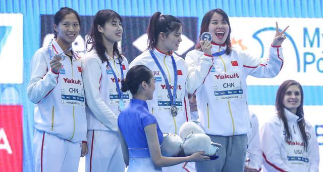 短池世锦赛中国获女子4X100混接力银牌