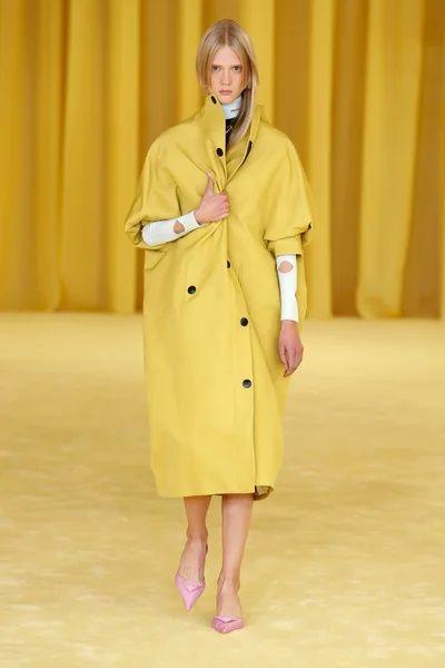 Raf  Simons  参与的Prada  2021春夏系列