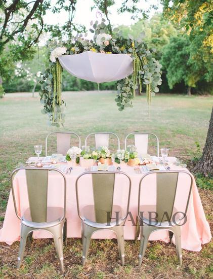 粉色系伞主题婚礼