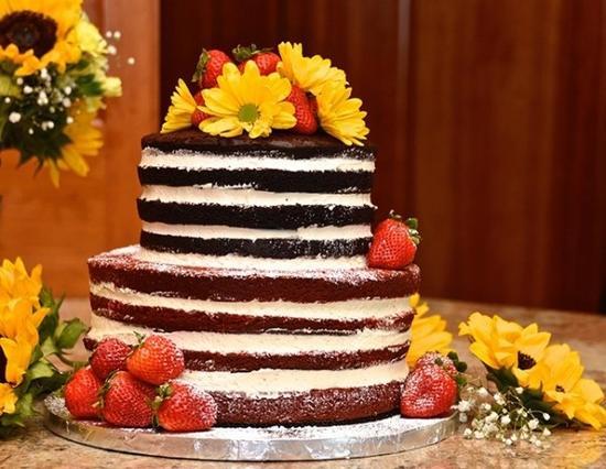 婚礼裸蛋糕