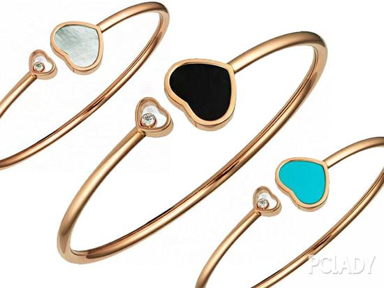 另外Riri这次造型还佩戴了Chopard三种不同材质的心形手环