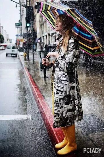 雨伞当配饰