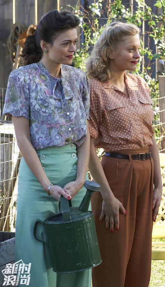 《Bomb Girls》中Carol穿复古薄荷绿高腰裤