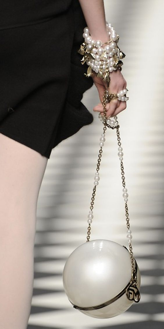 chanel珍珠链条包