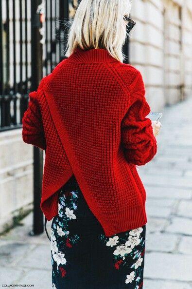 街拍中红色毛衣配中裙穿法