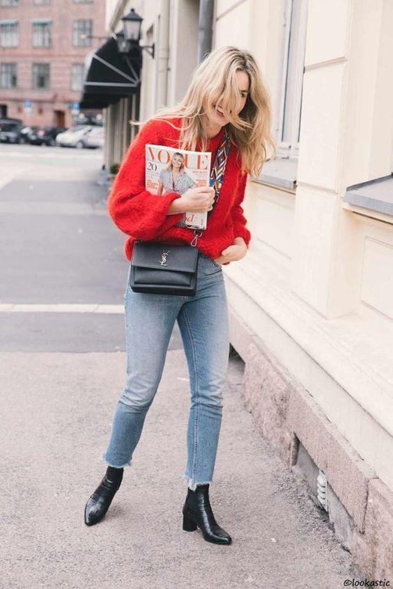 红色配牛仔裤