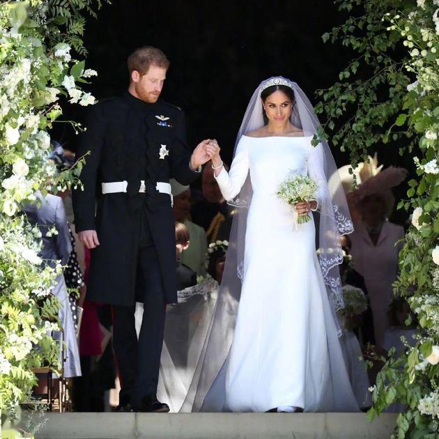 Meghan  Markle  婚纱