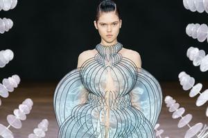 当时尚遇到科技 先看看3D打印技术设计的裙子有多美