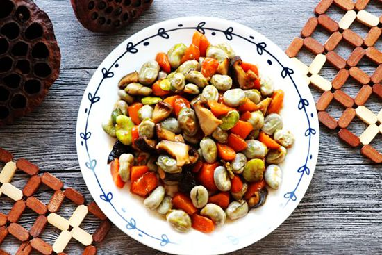 蚕豆胡萝卜丁