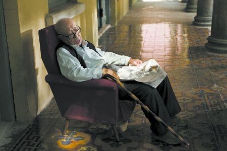 评论:飞越老人院暴露养老困境