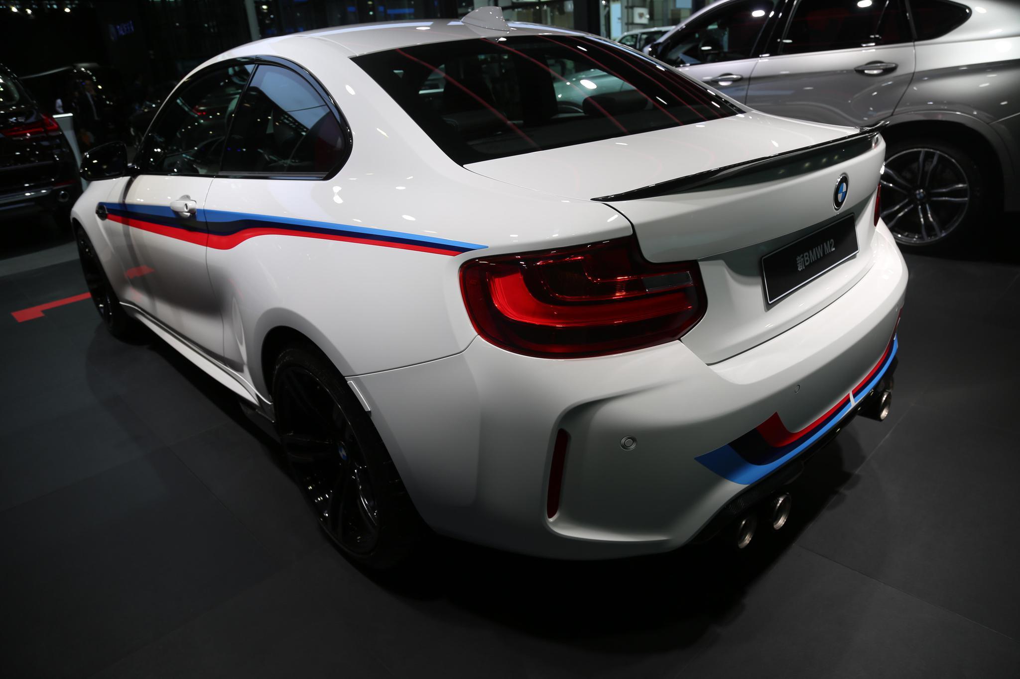 宝马 BMW M2,价值64万双门轿跑车,车展实拍!