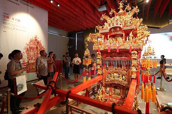 今天,这个承载十里红妆文化的宁海十里红妆文化园正式开园。