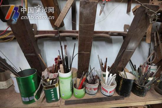 陈昌华制作船模的工具