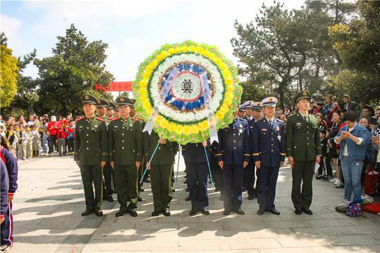 图为活动现场。 宁波武警支队提供