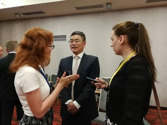 图 / 市旅发委副主任邱金岳接受《布拉格时报》专访