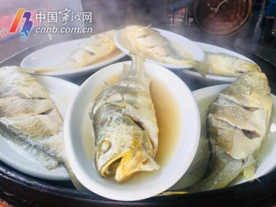 刚出锅的大黄鱼