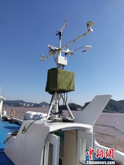 图为移动气象站。 叶淼林 摄