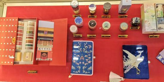 故宫博物院,带来人气超高的网红文创产品,你喜欢哪一样呢?