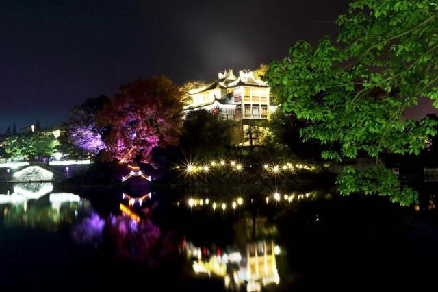 溪口景区首次开启夜游模式 民国风情展神秘之美