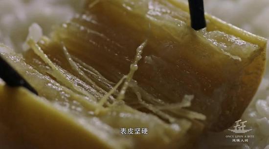 宁波美食家柴隆笔下的霉苋菜梗 称之宁波民间灵魂菜
