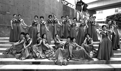 合唱团成员资料图片