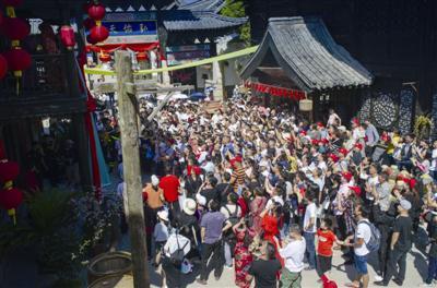 象山影视城嘉年华吸引3万多名游客前来通讯员供图