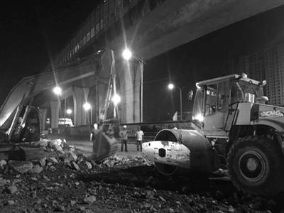 改建工程连夜抢建设通讯员供图