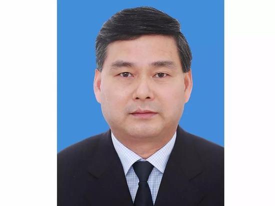 方志华,现任中共杭州市委办公厅副主任,拟任中共杭州市委副秘书长。