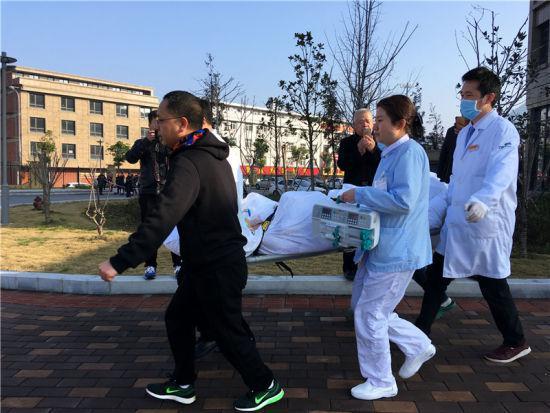 图为救援现场 宁波市第九医院供图