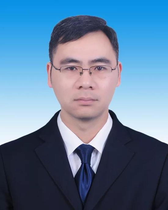 吴松林图片