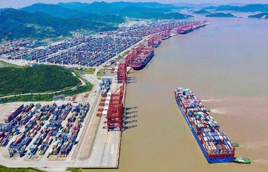 宁波舟山港一季度集装箱量同比增长百分之二十五点一