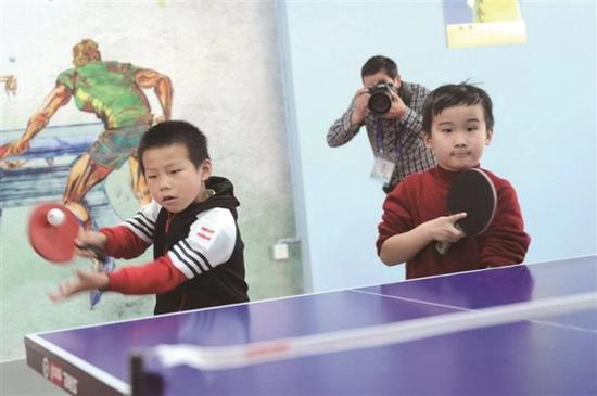 奉化举行小学生乒乓球比赛 全区共有103名学生参加