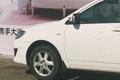 北仑一轿车被大量蜜蜂围困
