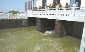 昨天,黄家河泵闸投入试运行,姚江水引入黄家河。